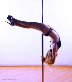 Learn How To Pole Dance From Home With Amber's Pole Dancing Course. Why Pay More For Pricy Pole Dance Schools? Pole Fitness, Pole Dancing Fitness, Barre Fitness, Fitness Exercises, Pole Dancing Clothes, Swing Dancing, Pole Dancing For Beginners, Pole Dance Sport, Pilates