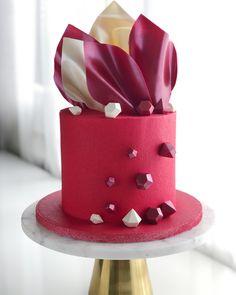 Chocolate Decorations, Planter Pots, Cake, Mudpie, Cheeseburger Paradise Pie, Cakes, Plant Pots, Tart, Pastries