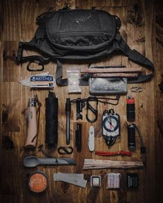 Famous and latest outdoor food collection. Bushcraft Kit, Bushcraft Camping, Bushcraft Knives, Camping Gear, Camping Outdoors, Urban Survival, Survival Tools, Edc Tools, Survival Guide