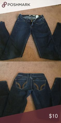 Dark wash Hollister jeggings! Dark wash jeggings from Hollister with a little rip in the left knee. Hollister Jeans Skinny