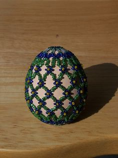 Beaded egg - I gotta learn how to do this.