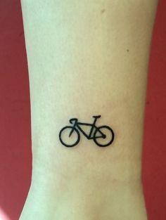 Tiny tattoo on the ankle - Styleoholic