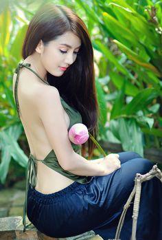 Vietnamese ao yem
