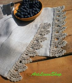 Low Cost Wedding Venues Near Me Refferal: 9609697533 Rustic Placemats, Burlap Tablecloth, Linen Placemats, Crochet Tablecloth, Rustic Table Runners, Vintage Crochet Patterns, Baby Patterns, Crochet Edgings, Threading