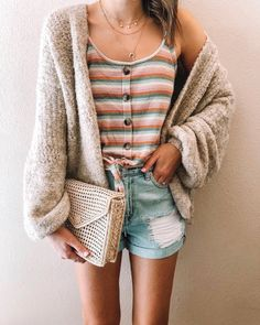 56 trending short outfits ideas you need to try 8 Short Outfits, Spring Outfits, Casual Outfits, Cute Outfits, Spring Clothes, Comfortable Outfits, Tank Top Outfits, Layering Outfits, Front Tie Top