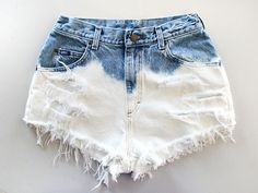 How to Bleach Shorts. Denim bleaching is a great way to customize your style, while saving money on the newest fashions. With just a few household materials, you can create an ombre, bleached, or a light denim look for your shorts or. Diy Shorts, Diy Jeans, Dip Dye Shorts, Festival Chic, Ripped Jeggings, Bleached Jeans, Moda Emo, Trendy Swimwear, Pants For Women