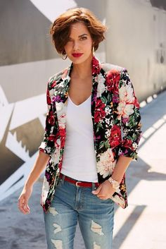 Add vibrant color to your fall wardrobe in this floral print scuba blazer with a classic notched collar, single button front, flap waist pockets and back vent. Floral Blazer Outfit, Floral Jacket, Blazer Outfits, Chic Outfits, Fashion Outfits, 2010s Fashion, Suit Fashion, Male Character, Look Blazer