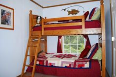 Bunk beds in second bedroom. with fox and fish theme.