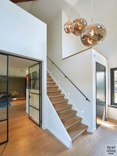 Villa in landelijke stijl Hallway Designs, Dream House Exterior, House Stairs, Sims House, House Entrance, Staircase Design, Floor Design, Home Deco, Home Interior Design