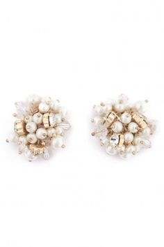 Classic statement pearl & crystal earring. #sendthetrend #accessories