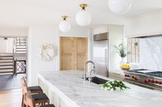 An Elegant Mountain Home Tour Residential Interior Design, Interior Design Kitchen, Mountain Homes, Interior Photo, Design Firms, Interior Inspiration, Kitchen Inspiration, Kitchen And Bath, Home Kitchens