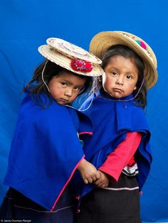 The Guambiano people of Colombia por Jaime Ocampo-Rangel We Are The World, People Around The World, Around The Worlds, Precious Children, Beautiful Children, Young Children, Colombian People, Colombian Culture, Colombian Girls