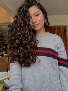 Long Curls, Long Curly Hair, Curly Hair Styles, Queen Hair, Aesthetic Hair, Bad Hair, Hair Highlights, Hair Looks, Hair Inspiration