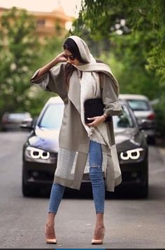 Modest designs, chic styles and bright colors are presenting the Iranian fashion trends! who says' that you can't look chic Iranian Women Fashion, Muslim Fashion, Hijab Fashion, Womens Fashion, Casual Fashion Trends, Latest Fashion Trends, Nike Sweat, Women In Iran, Teheran