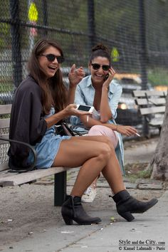New York street style and friendship
