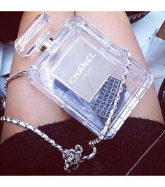 statement clutch #chanel