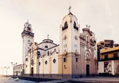 Discover the world through photos. Plan My Trip, Canario, Notre Dame, Places To Visit, Iglesias, Island, Cathedrals, World, Building