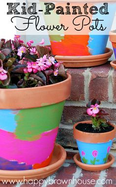 Kid Painted Flower Pots are a great way to add a little color to your porch and they make great gifts for loved ones! Perfect for a homemade Mother's Day gift from the kids. Include the kids in planting and taking care of the flowers for a fun family acti Homemade Mothers Day Gifts, Birthday Gifts For Grandma, Homemade Gifts, Mother Day Gifts, Diy Gifts, Husband Birthday, Projects For Kids, Diy For Kids, Crafts For Kids