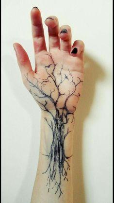 55 Baum Tattoo Designs 55 Tree Tattoo Designs & Künstler The post 55 Baum Tattoo Designs & Tattoo ideen appeared first on Tattoos . Trendy Tattoos, New Tattoos, Body Art Tattoos, Tattoo Drawings, Small Tattoos, Sleeve Tattoos, Tattoos For Guys, Tatoos, Hand Tattoos For Women