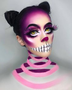 We're all mad here. 😺 I've had SO many requests to do a Cheshire Cat look and just never got around to it, so I thought I'd finally do… Scary Makeup, Sfx Makeup, Costume Makeup, Makeup Tips, Makeup Hacks, Makeup Ideas, Cheshire Cat Makeup, Chesire Cat, Cheshire Cat Costume