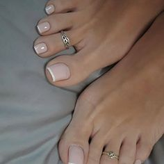 Beautiful feet and toes.feet - Jo Beautiful feet and toes. Pretty Toe Nails, Cute Toe Nails, Cute Toes, Pretty Toes, Toe Nail Color, Toe Nail Art, Nail Colors, French Pedicure, French Nails