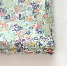 Lawn Fabric  Little Flower Pattern Lawn Fabric от luckyshop0228