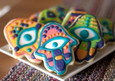 Handmade Hand of Fatima cookies for the Ramadan festivities! Ramadan Sweets, Ramadan Recipes, Fancy Cookies, Valentine Cookies, Cookie Desserts, Cookie Bars, Eid Hampers, Eid Food, Cupcakes