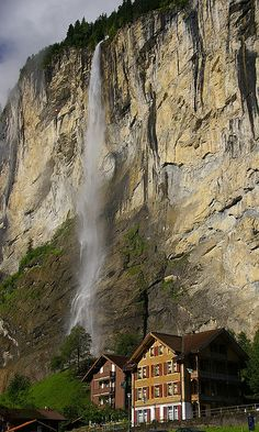 Staubbach Falls in Lauterbrunnen, Bernese Oberland, Switzerland