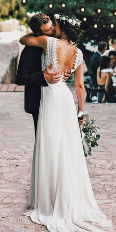 21 Fantastic Lace Beach Wedding Dresses Wedding Dresses Guide is part of Lace beach wedding dress - Lace beach wedding dresses feature light fabrics, perfect for a ceremony in the sand These 15 dresses are sure to give you some inspiration Wedding Robe, Lace Beach Wedding Dress, Modest Wedding Dresses, Beach Dresses, Wedding Gowns, Lace Wedding, Lace Dress, Wedding Beach, Trendy Wedding
