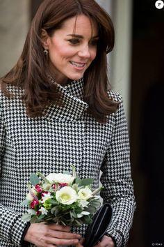 Catherine Kate Middleton, la duchesse de Cambridge visite un d'un centre contre l'addiction à Warminster, le 10 décembre 2015.