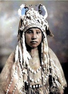BLACKFEET GIRL , 1925