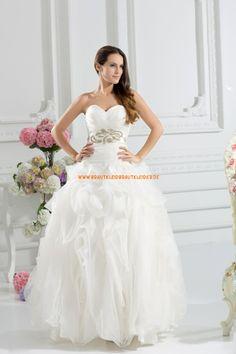 Schönes Extravagantes Brautkleid 2013 aus Organza mit Applikation