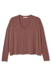 <p>The Disa Cupro Jumper is made of soft cupro, cut in a wide shape with a drapy fit.It has adeep U-neck and long, fitted sleeves.</p><p>- Size Small measures 120 cm in chest circumference and 56 cm in length. The sleeve length is 46 cm.</p>