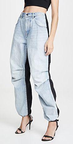 Fashion Pants, Fashion Outfits, Womens Fashion, Fashion Trends, Estilo Jeans, Light Wash Jeans, China Fashion, Denim Pants, Alexander Wang