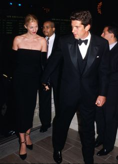 Carolyn Bessette-Kennedy's Truly Timeless Style...And How To Get It (PHOTOS)