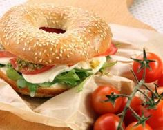 The Big Diabetes Lie- Recipes-Diet - Bagel minceur à l'italienne : www.fourchette-et. Doctors at the International Council for Truth in Medicine are revealing the truth about diabetes that has been suppressed for over 21 years. Bagels, Quick Vegetarian Meals, Tomate Mozzarella, Snack Recipes, Healthy Recipes, Salad Dressing Recipes, Wrap Sandwiches, How To Cook Quinoa, Light Recipes