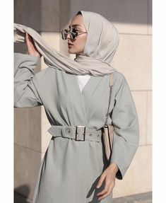 hijab outfit Ideas Style Vestimentaire Femme Robe For 2019 Picture frames are another example of Hijab Fashion Summer, Abaya Fashion, Muslim Fashion, Modest Fashion, Cheap Fashion, Hijab Outfit, Hijab Dress, Swag Dress, Hijab Chic