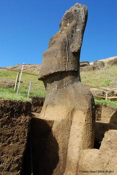 Easter Island discovery: Huge statues found to have BODIES buried underground    Researchers have also discovered the monolithic statues have petroglyph engravings