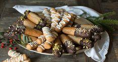 Kransekakestenger | Oppskrift | Meny.no Marzipan, Norway Food, Norwegian Christmas, Sausage, Chips, Sweets, Cookies, Baking, Ethnic Recipes
