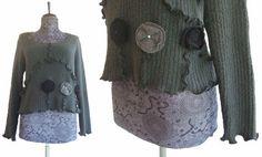 Ruffled Cropped Sweater L Slate Charcoal von RebeccasArtCloset