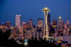 7 Unique things to do in Downtown Seattle - TravelMag Downtown Seattle, Seattle Skyline, Paramount Theater, Wooden Buildings, Pike Place Market, Central Library, Modern Metropolis, Things To Do, Photo And Video