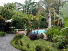 Hotel Arenal Jireh. Un lugar en el centro de La Fortuna, una excelente combinación de la naturaleza y ciudad.