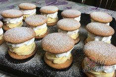 Medové krémeše trochu jinak - JEDNOHUBKY | NejRecept.cz Izu, Hamburger, Foodies, Stuffed Mushrooms, Muffin, Bread, Vegetables, Breakfast, Stuff Mushrooms