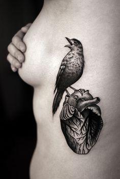 TATUAJES SORPRENDENTES Tenemos los mejores tatuajes y #tattoos en nuestra página web tatuajes.tattoo entra a ver estas ideas de #tattoo y todas las fotos que tenemos en la web.  Tatuajes de Corazones #tatuajesCorazones