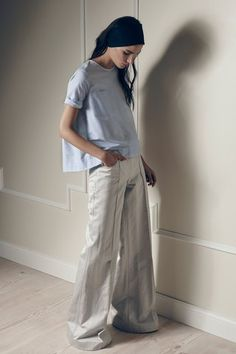 See the complete Hellessy Spring 2016 Ready-to-Wear collection. Love the piping in the front seam.