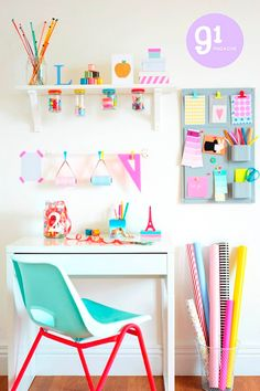 Really cute idea for a craft or teen room. Really cute idea for a craft or teen room. The post Really cute idea for a craft or teen room. appeared first on Decor Ideas. Kids Desk Space, Kid Desk, Study Space, Desk For Kids Room, Room Ideas For Teen Girls Diy, Kids Workspace, Cute Teen Rooms, Study Nook, Room Kids