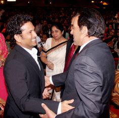 #Sachin & #Dharmendra greeting each other