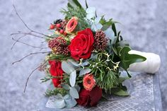 Flower Design Beautiful Bridesmaid's Bouquets: Bridesmaid's Christmas Wedding Bouquet in Red & Green