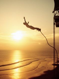 Great view of bungee Jumping in beach