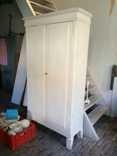 Oude Kast Van Oma Details Armoire Closet En Home Decor